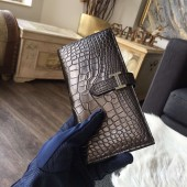 Hermes Bearn Wallet Matte Alligator Crocodile Gold Hardware Handstitched, Chocolat CK47 RS10517
